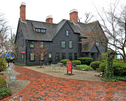 house-of-seven-gables